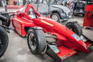 Roter Sportwagen bei KFZ Maier