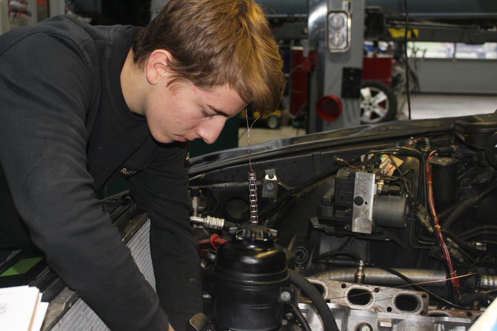 Arbeit am Motor